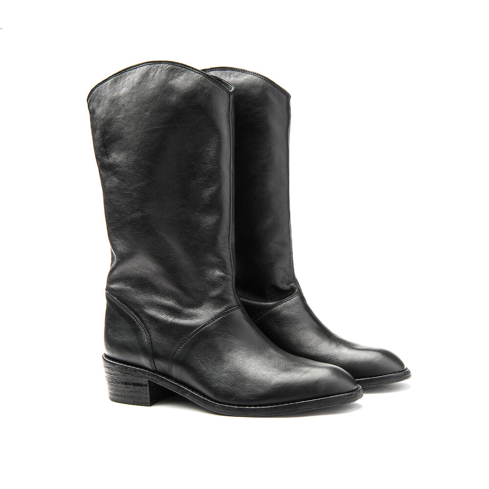 The Jane black leather boot