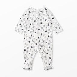 pyjamas med fötter nyfödd