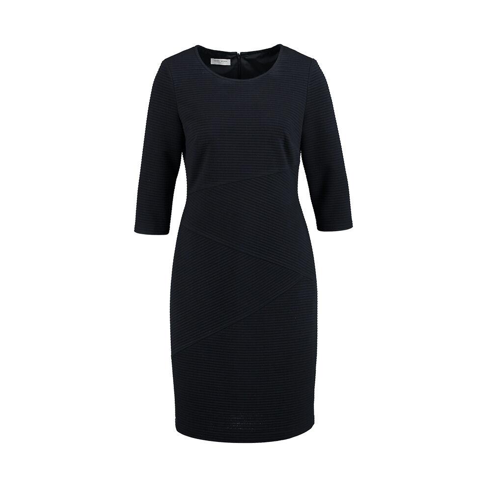 Enfärgad klänning