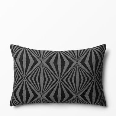 Kudde Intarsia design av Bernadotte & Kylberg 40×60 cm