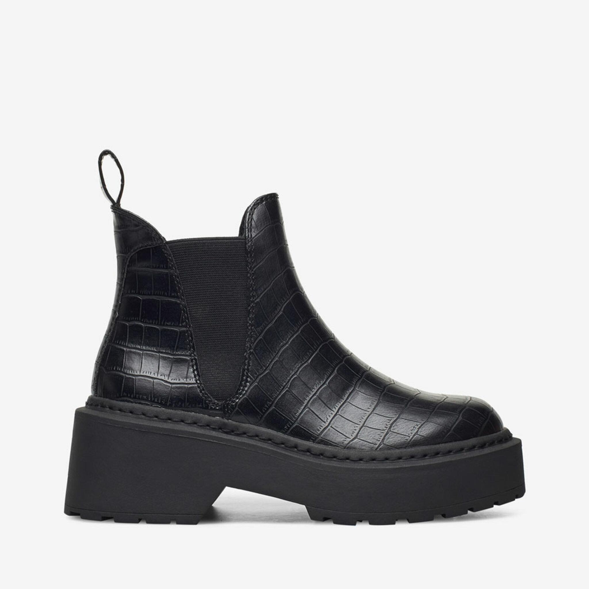 Boot Shadow