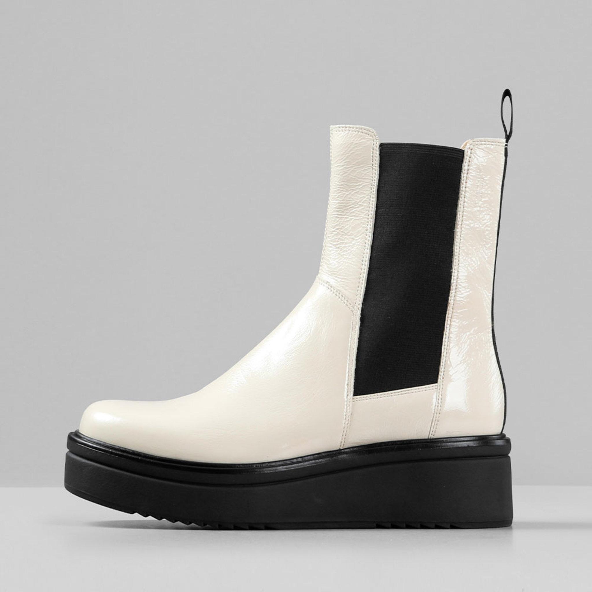 Boots Tara Stövlar & boots Köp online på åhlens.se!
