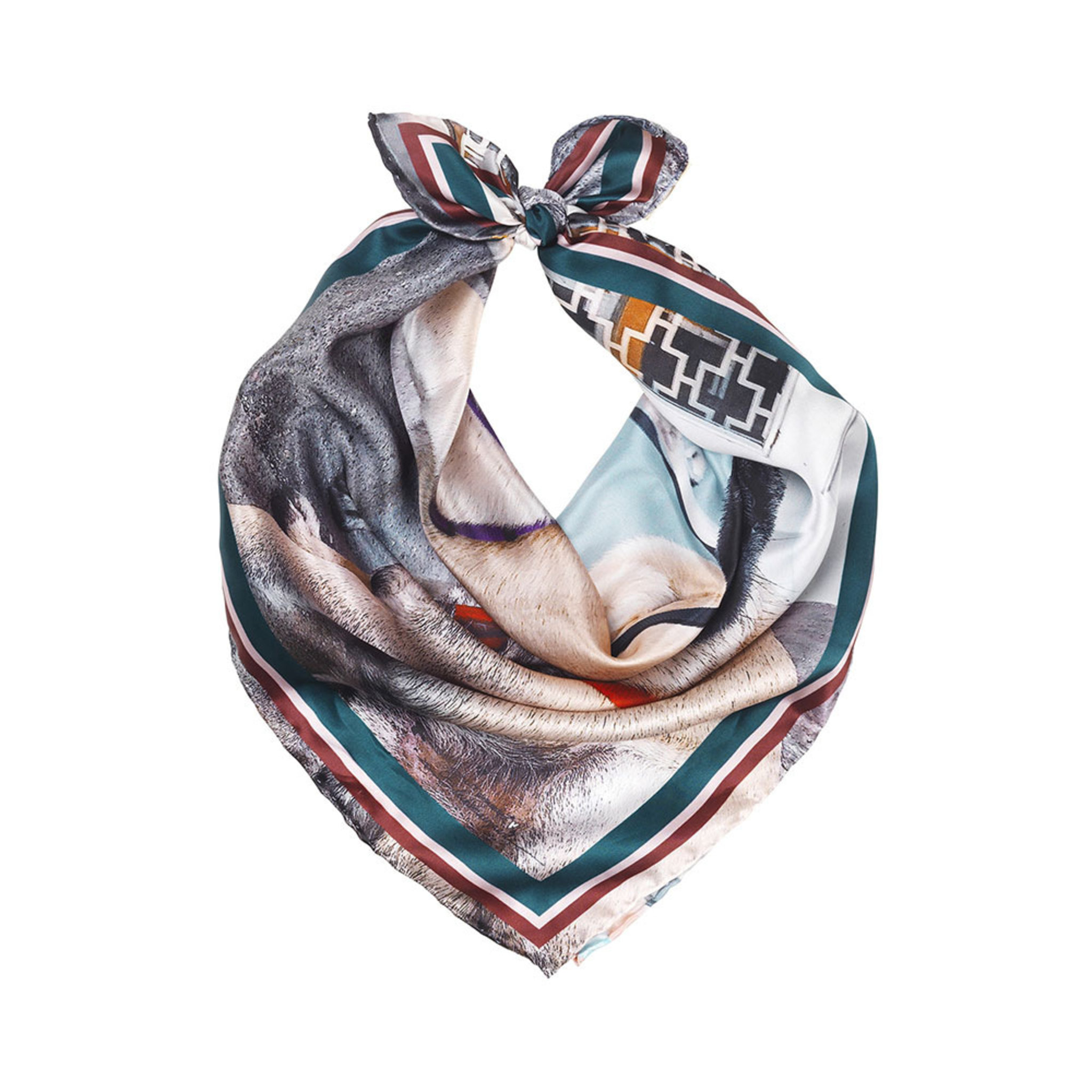 Hunks Scarf i silke - Halsdukar   scarves - Köp online på åhlens.se! ccfa2121a7742