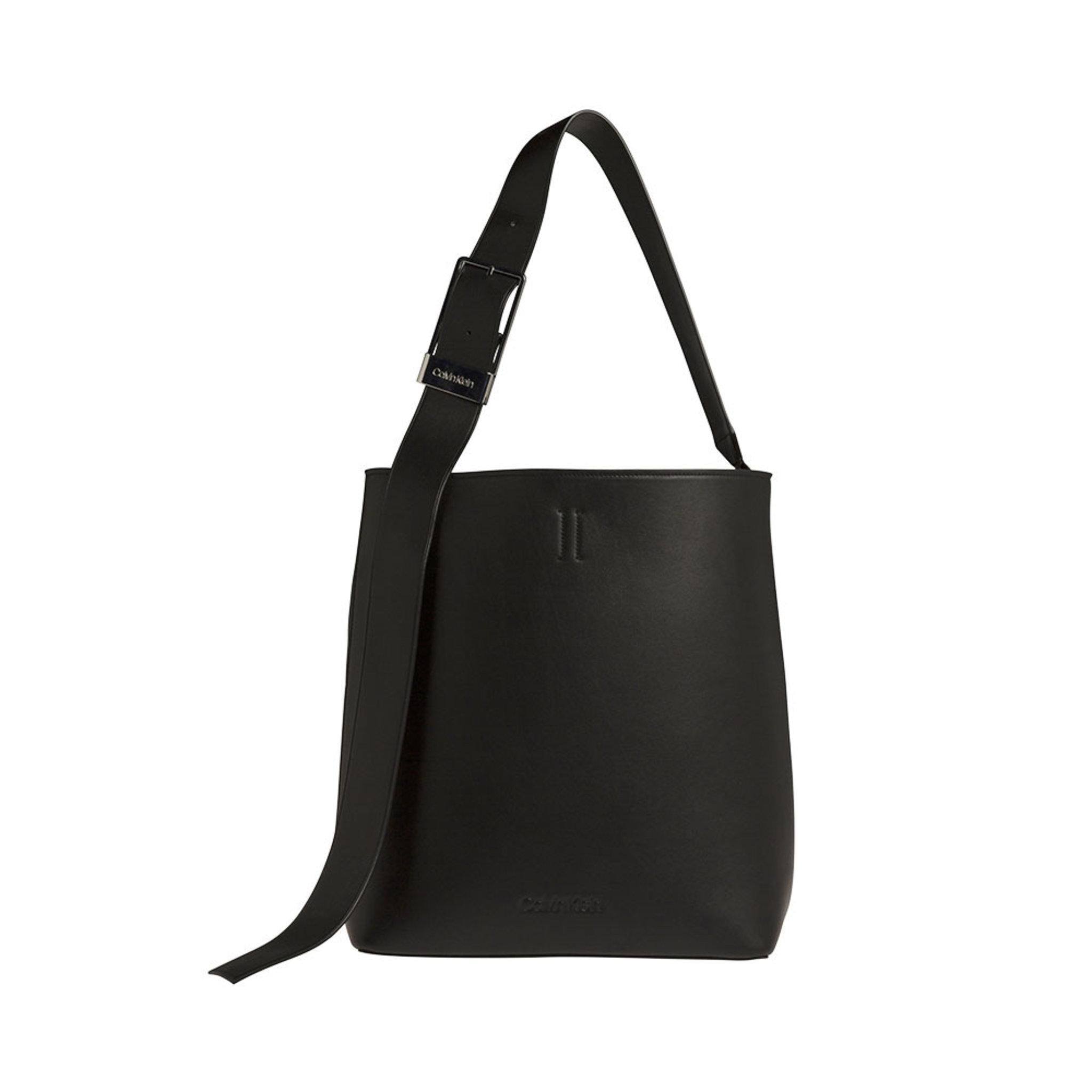 Strapped Large Hobo Bag - Axelremsväskor - Köp online på åhlens.se! 7b6eb2f0ea706